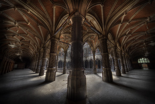 Abandoned Chambre du Commerce | by andre govia.