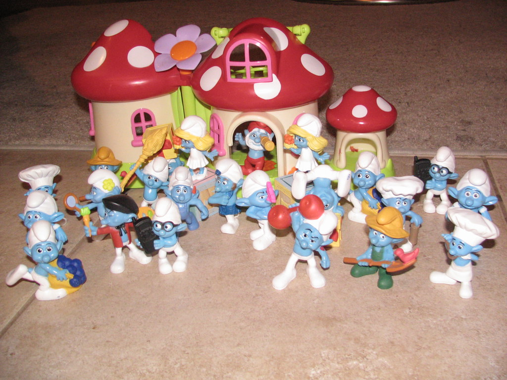 Smurfs Mcdonald S Happy Meal Toys Our Girls Complete Set O Flickr