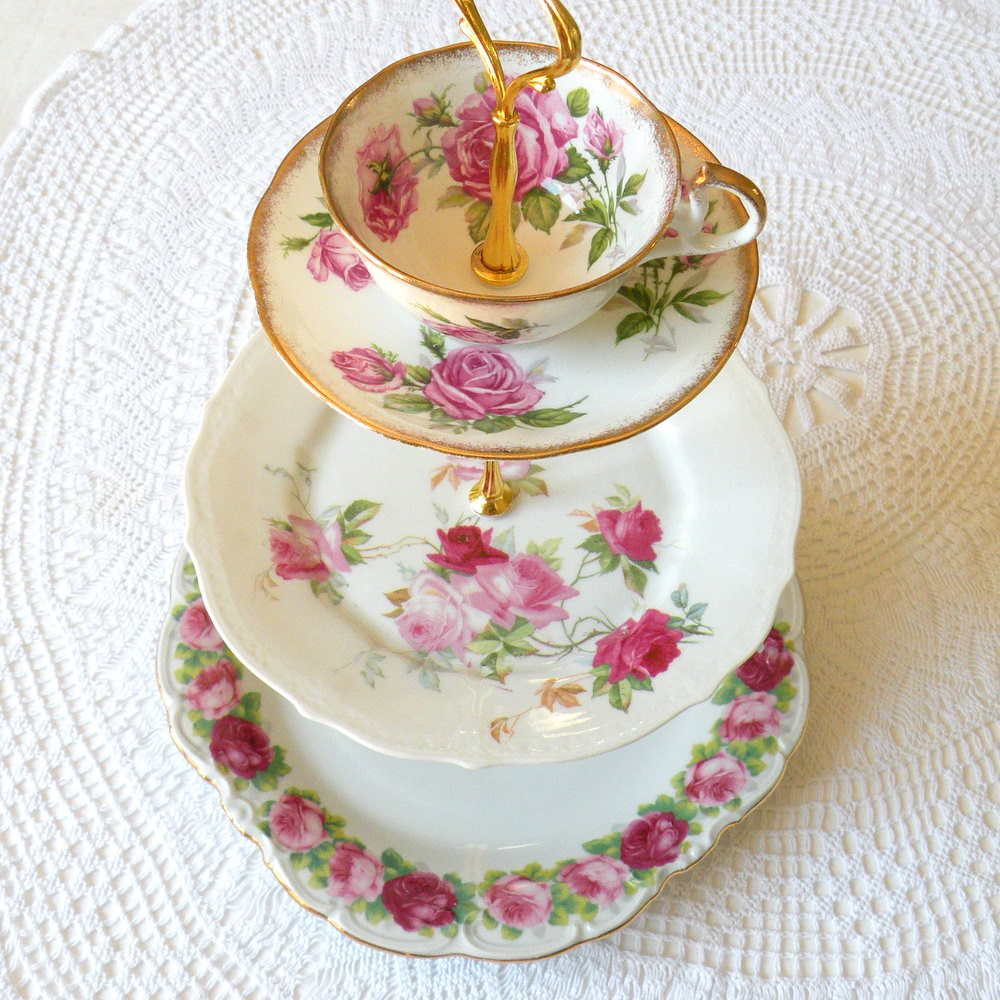 Cake Stand White Ribbon