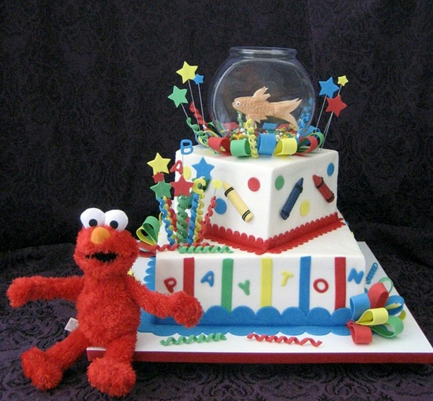 Elmo And Dorothy Plush Elmo Sits Beside A Buttercream Iced Flickr