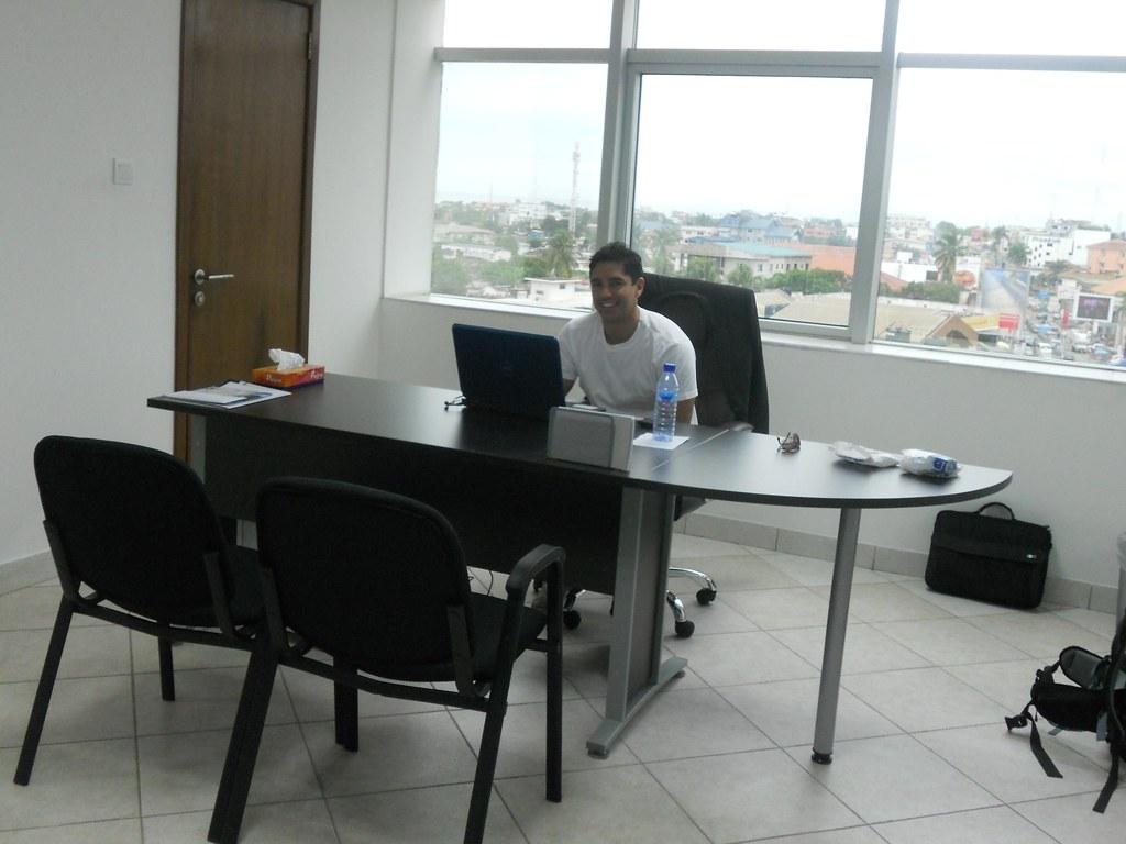 Premier jour de travail dans les nouveaux bureaux de globau flickr