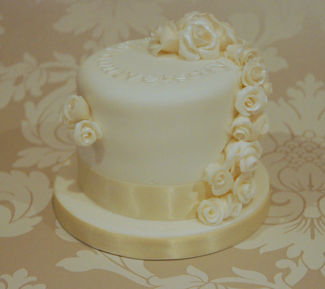 First Marriage Anniversary Cake Images : photo