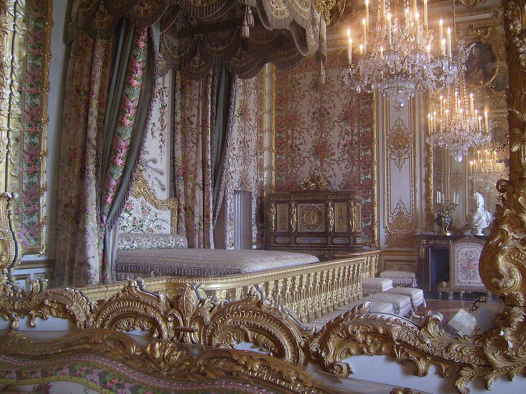 Chambre de la reine marie antoinette versailles for Chambre de la reine