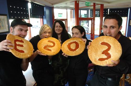 : Pizza Hut Warrington : Riverside Retail Park : Picture b ...