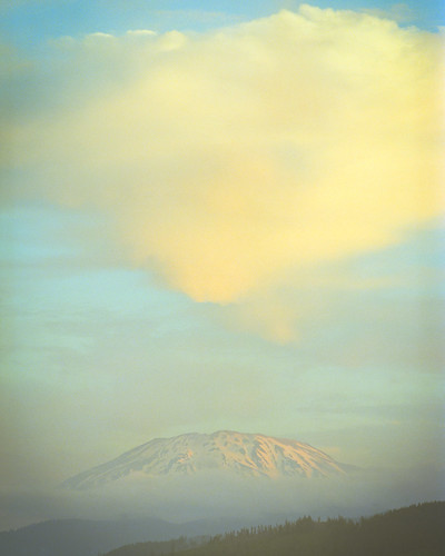 Mt. St. Hellens with Aligned Cloud | by Doha Sam