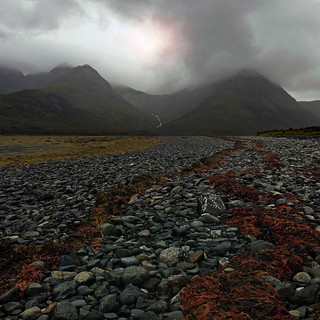 BLACK CUILLINS,RED SEAWEED | by kenny barker
