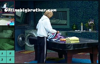 BB13-C2-8-31-2011-9_25_46.jpg | by onlinebigbrother.com