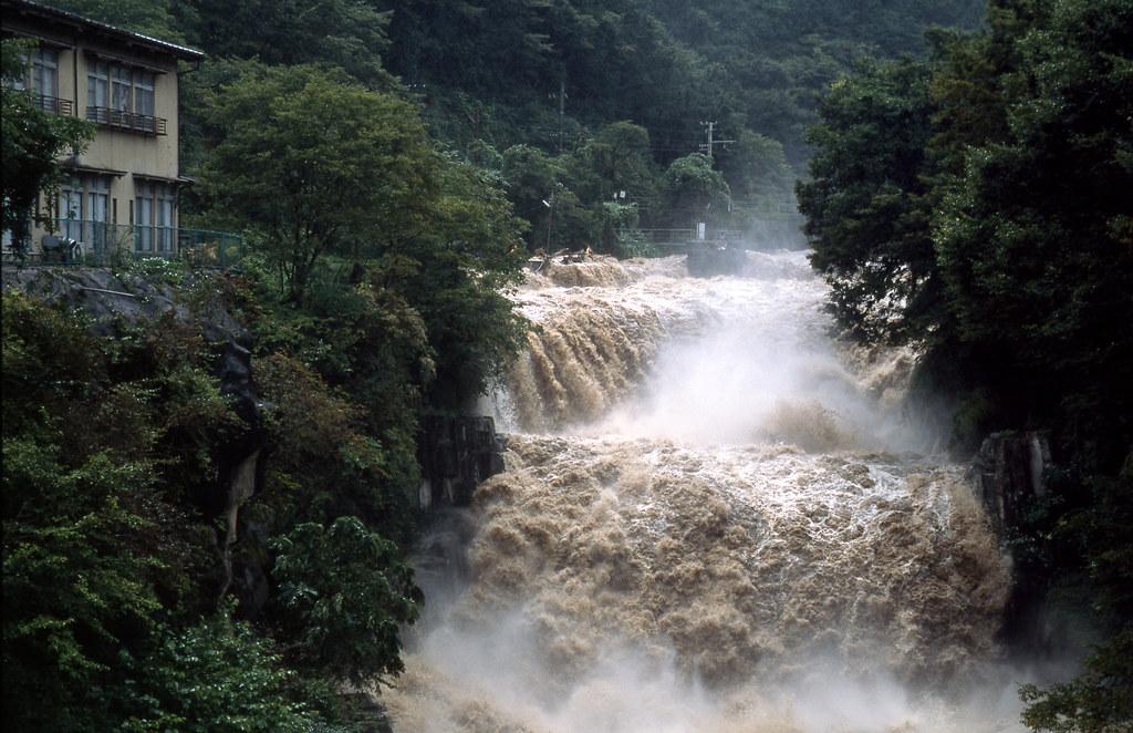 「大雨」の画像検索結果