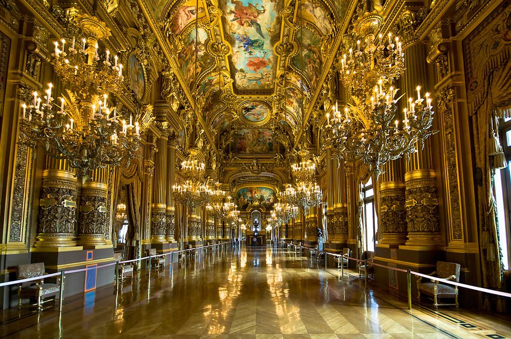 Superficie Grand Foyer Opera Garnier : Grand lobby of palais garnier foyer op�ra