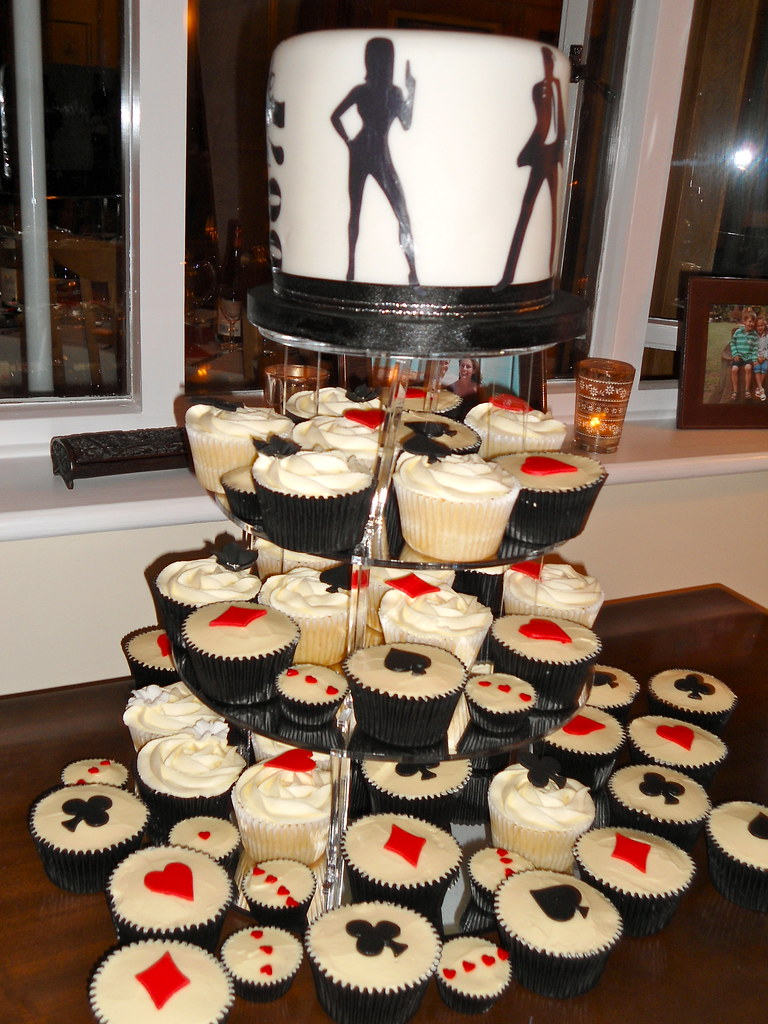 James bond casino royale cupcake tower mix of vanilla for 007 decoration ideas