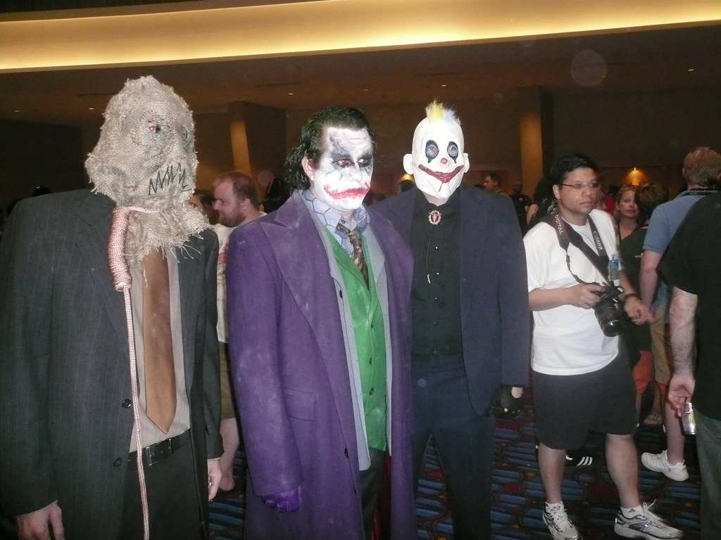 The Dark Knight Scarecrow Joker And Henchman Chris