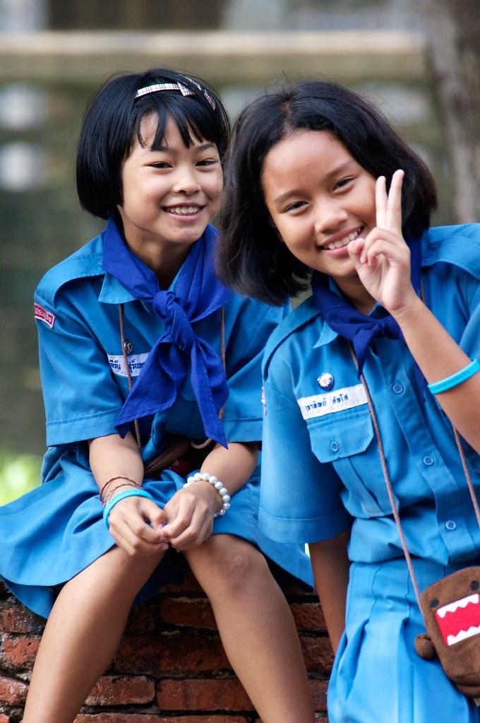 Thai Girls Blue Uniform  Thai School Girls Ham It Up For -4329