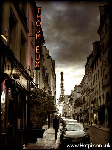 iPod Shuffle2 - Street Life (Paris, France Tour Eiffel Tower) | by @HotpixUK -Add Me On Ipernity 500px