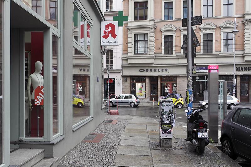 neue sch nhauser stra e berlin mitte 07 2011 s dekind flickr. Black Bedroom Furniture Sets. Home Design Ideas
