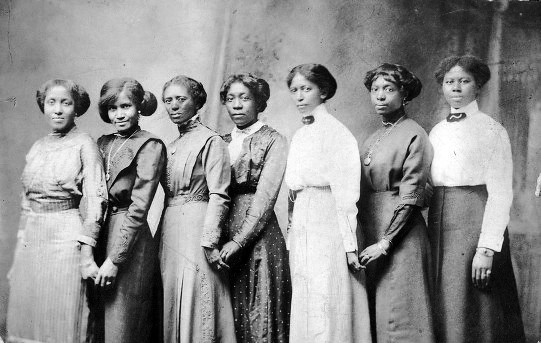 Seven Young Black Women Photographed Near Missouri 1890s
