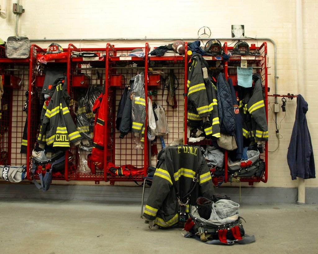 Fdny Ladder 25 Fdny Firehouse Ladder 25
