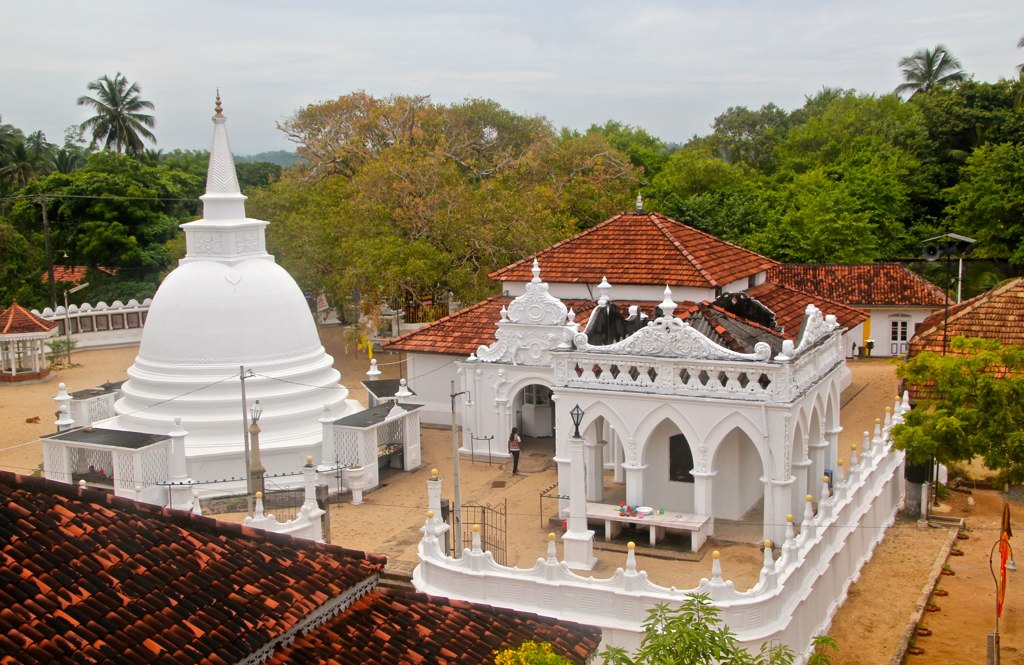 ... Mahavihara, Ambalangoda, Sri Lanka | ©Sekitar | Sekitar | Flickr