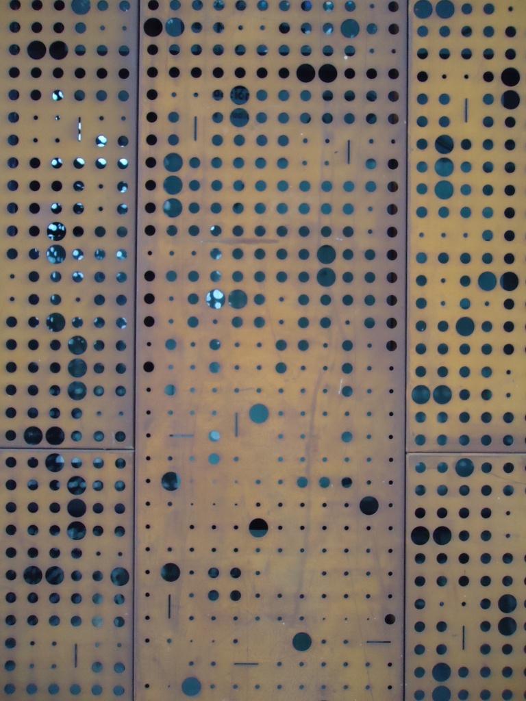 Acero corten gam stgo perforaciones en el acero for Acero corten perforado oxidado