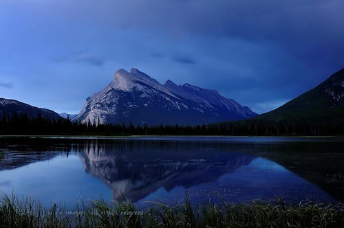 Blue Hour Rundle | by johnfuj