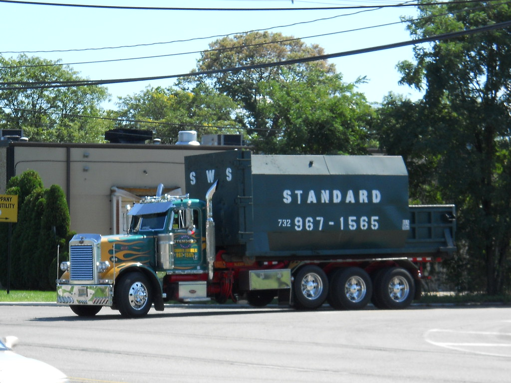 Peterbilt 379 Roll Off Standard Waste Services Inc East