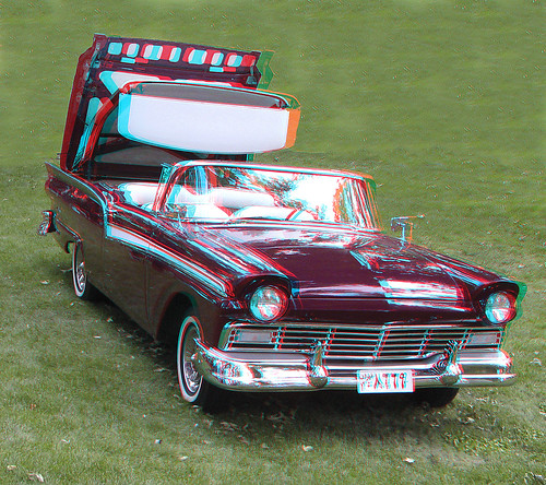 Old Car_Anaglyph 3D Picture: You Need Red Cyan Glasses
