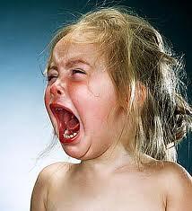 nena plorant i cridant