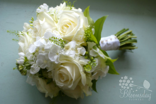 all white bridal bouquet | Avalanche rose, phlox, stock ...