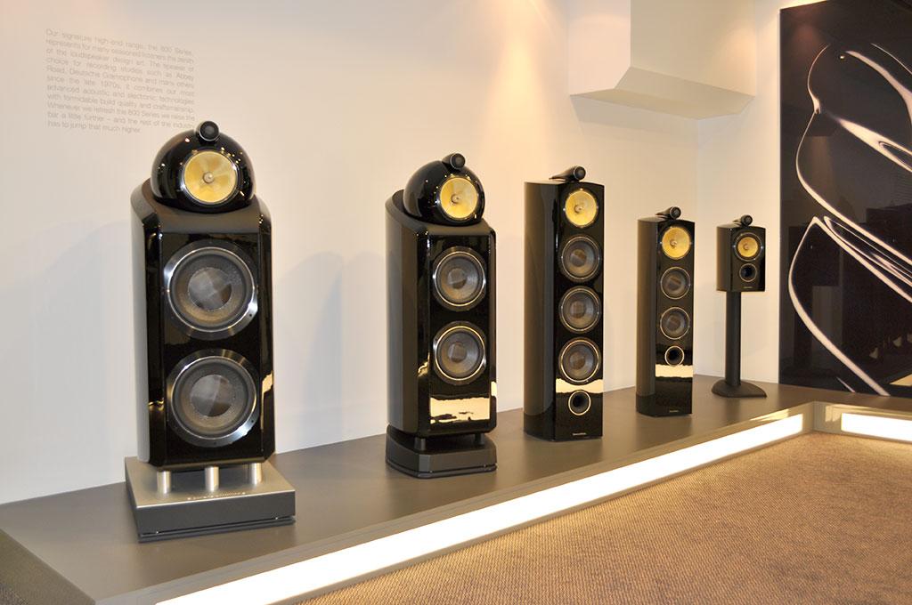 Bowers Wilkins Speakers >> Bowers & Wilkins Show Room | Referentna 800 Diamond serija ...