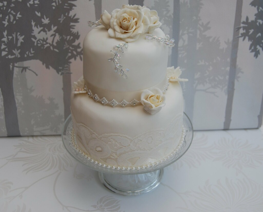 WHITE AND CHAMPAGNE VINTAGE WEDDING CAKE LACE AND DIAMANTE… | Flickr