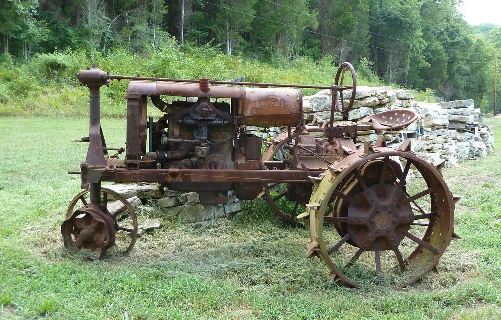 Old Rusty 1924-1932 International Harvester Farmall Regula ...