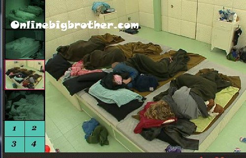 BB13-C3-8-9-2011-7_39_36.jpg | by onlinebigbrother.com