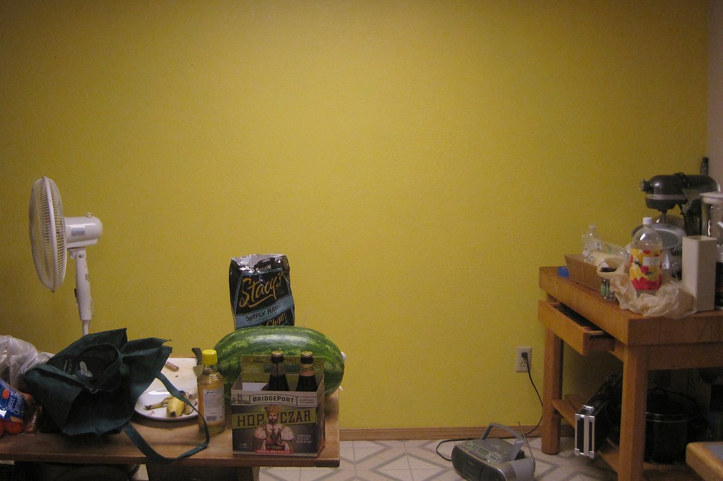 Yellow Kitchen Walls With Brown Cabinets