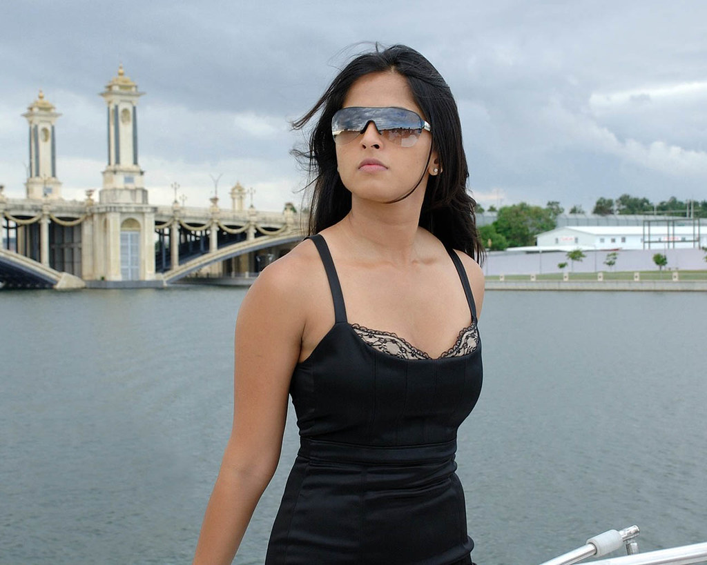 Anushka Shetty Images 10  Anushka Shetty Born On 7 -1218