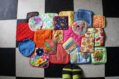 crafting for craft: happy potholder rug | by jessica wilson {jek in the box}