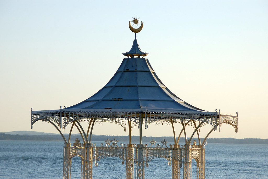 The Bandstand, Southsea | Taken during an evening stroll ...