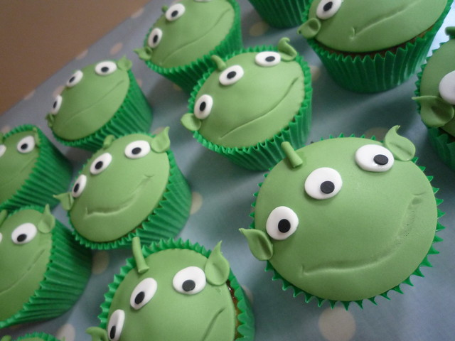 alien attack light game toys tory cupcakes