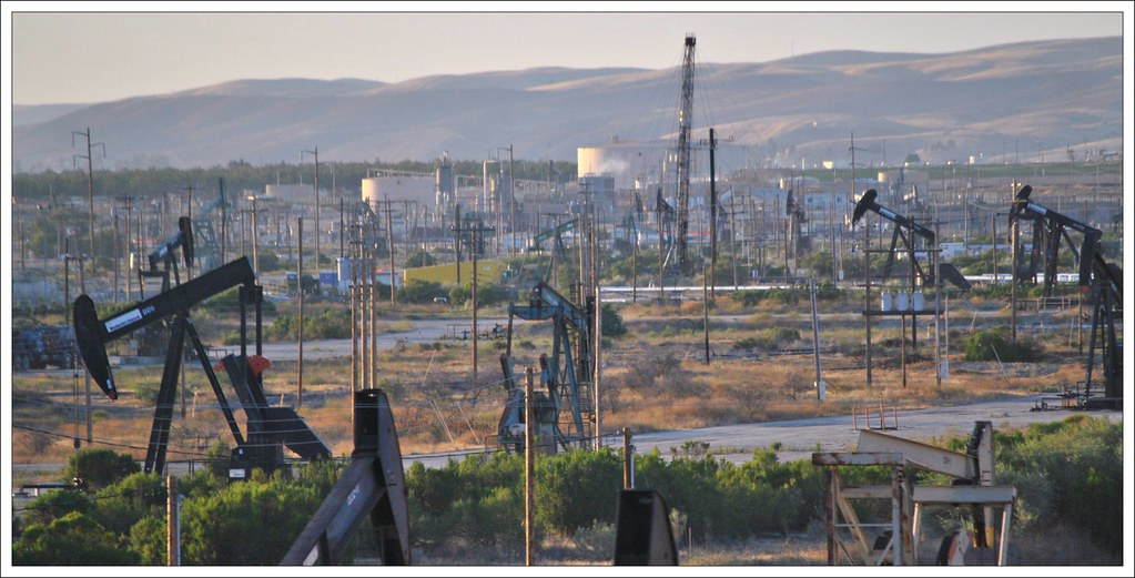 The San Ardo Oil Field From The Coast Starlight The San