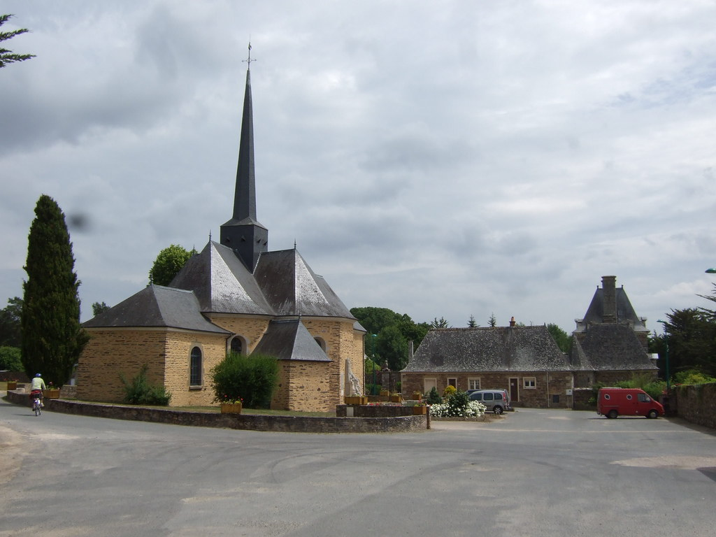 Eglise et ch teau de la chapelle bou xic l 39 glise de la for Garage ad la chapelle bouexic