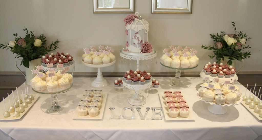 Rachel\'s cake table | Selection of cupcakes and mini cupcake… | Flickr