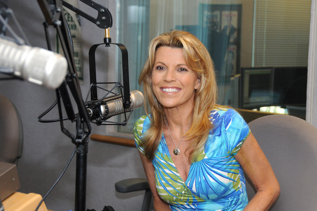 8 9 11 Vanna White Amp Mass Lottery Visit Karen Blake On Wo