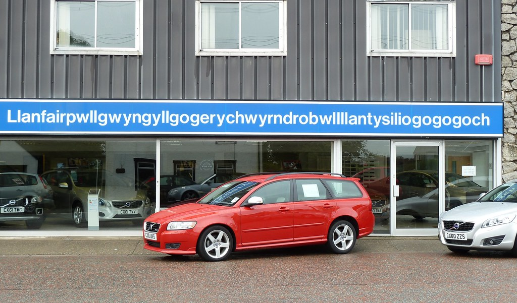 Volvo garage llanfairpwllgwyn drew at large flickr for Garage volvo bourgoin jallieu
