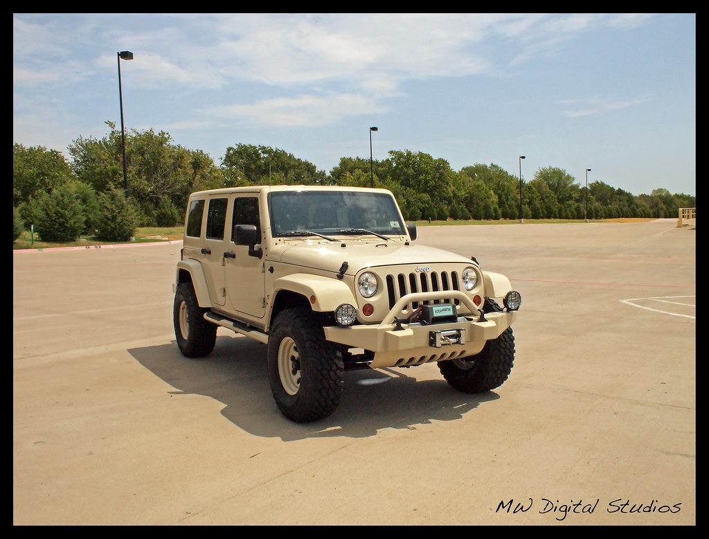 sahara tan jeep wrangler unlimited | mwbutterfly | flickr