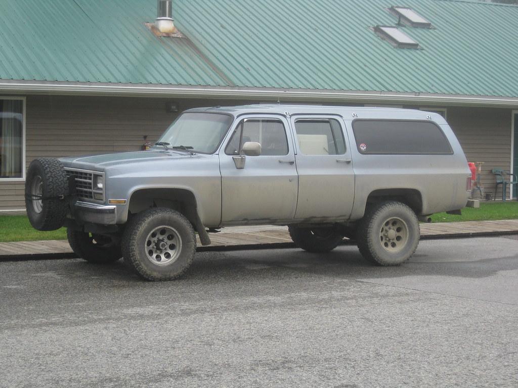 Subarban >> Chevrolet Suburban   Late 80s Suburban spotted in Alaska rea…   Flickr