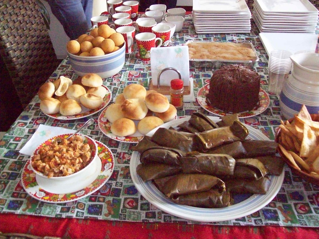 desayuno navide o colombiano mini tamales almoj banas