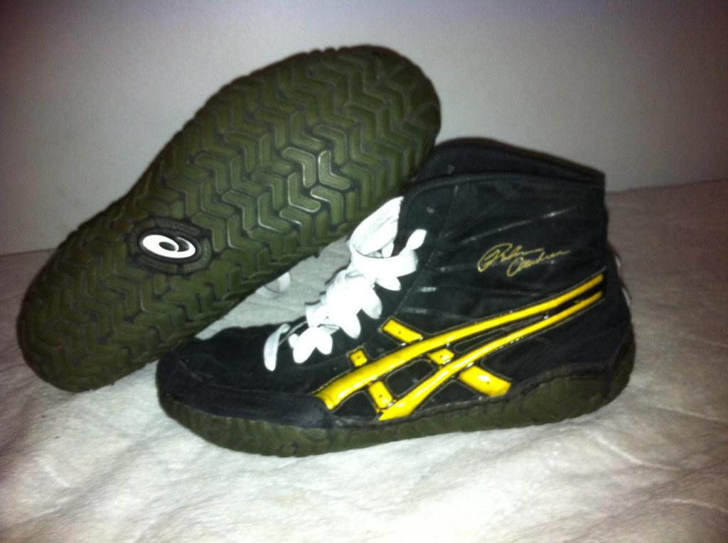 Asic Wrestling Shoes Size