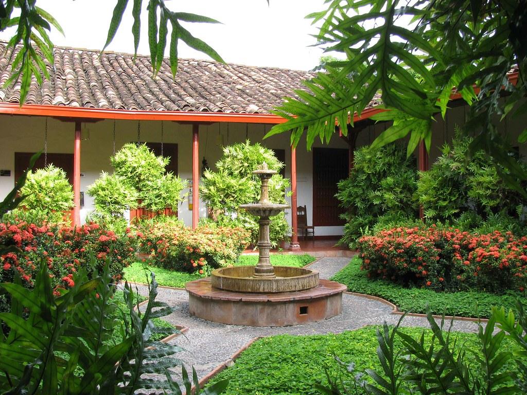 Casa antioque a vivienda para las antiguas lites antioqu for Arreglos de casas viejas
