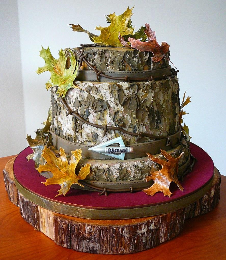 Grooms Wedding Cake Ideas: Mossy Oak Camouflage Groom's Cake