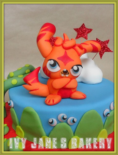 how to send a message on moshi monsters