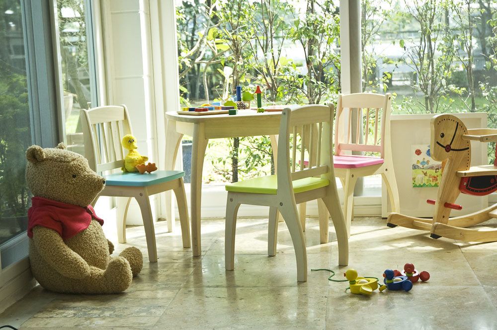 Junior table and Chairs set | Pintoy WeLove | Flickr