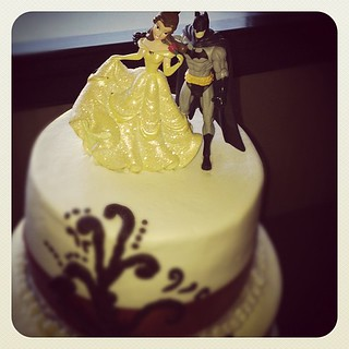 wedding cake topper yes or no yes that is totally a and batman wedding cake topper 26666